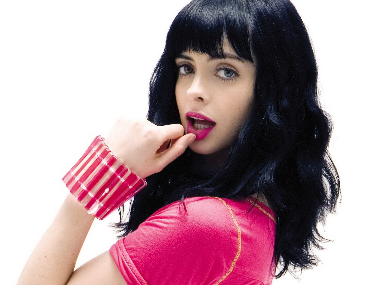 Don't look now, but the 'B' In Apartment 23 is moving out of the building and slipping on some superhero tights. Krysten Ritter, who played the infamous 'B ...