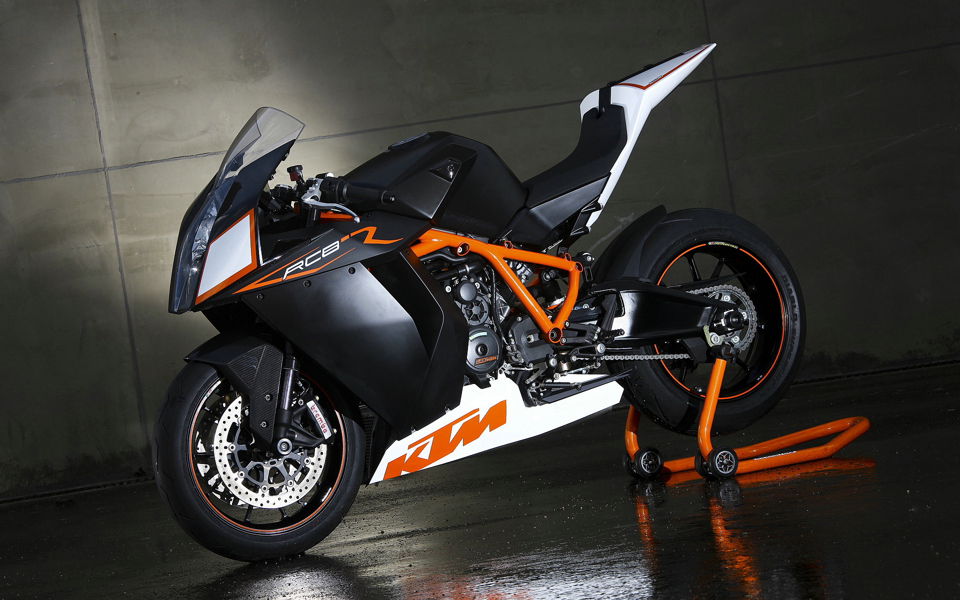 KTM 1190 RC8 Black White
