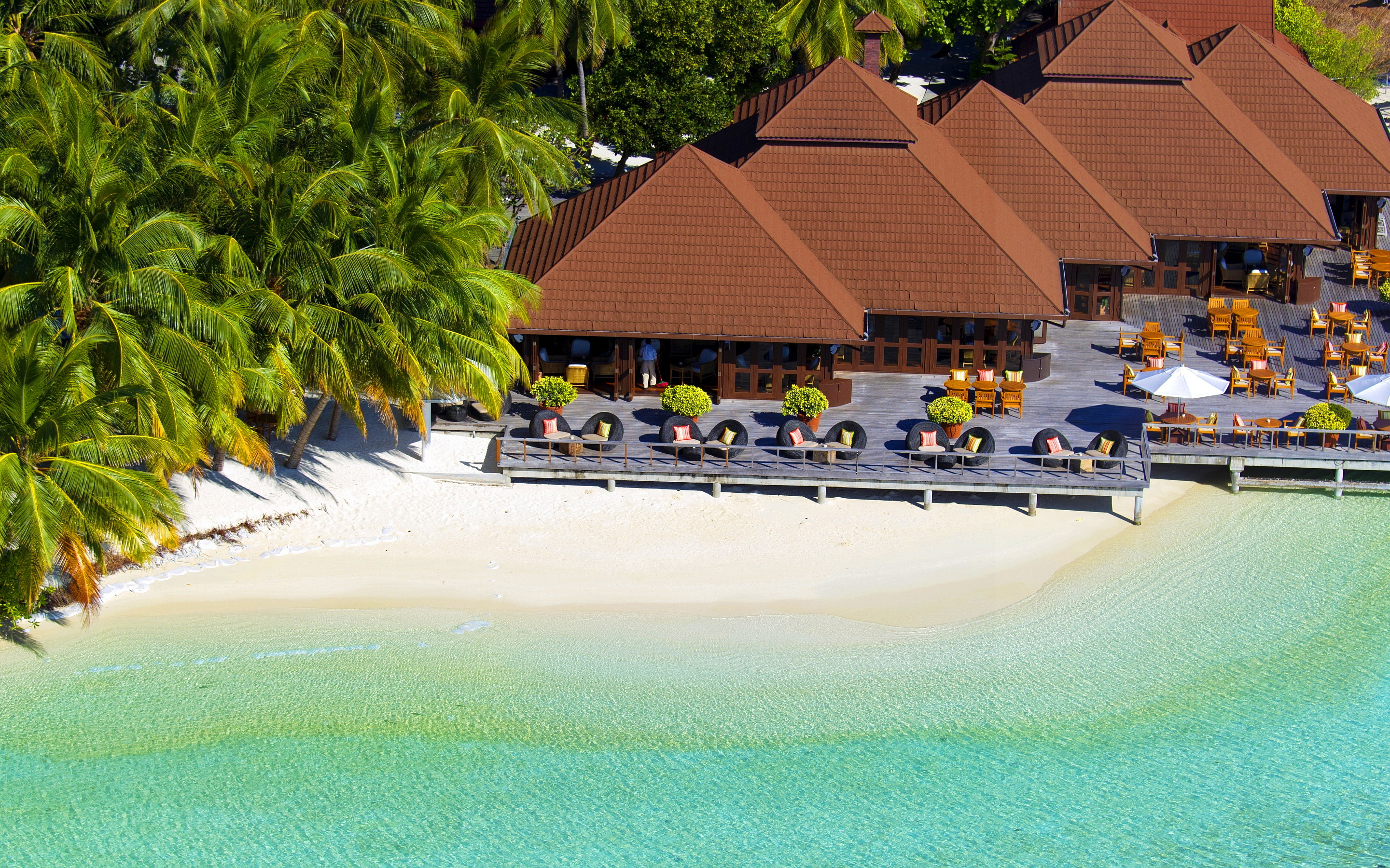 Kurumba beach maldives