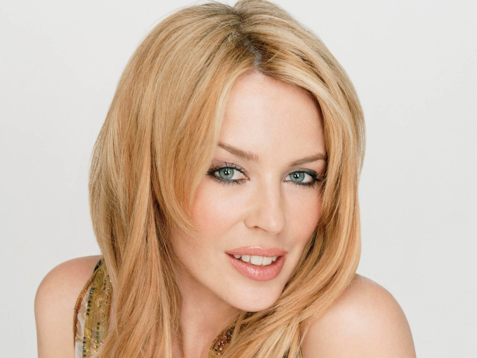 Kylie Minogue to Guest Star on ABC Family's 'Young & Hungry' - Ratings | TVbytheNumbers.Zap2it.com