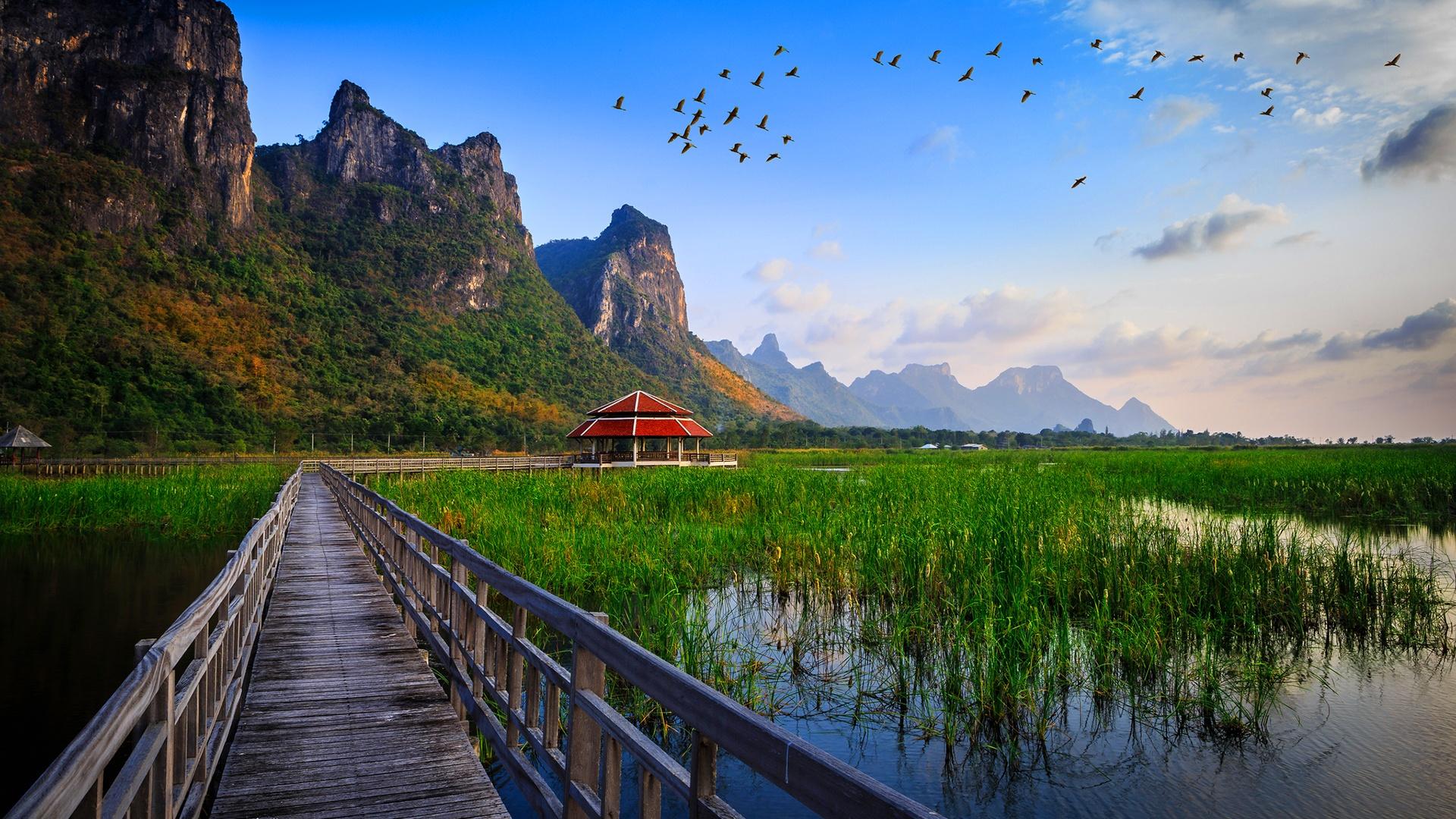 Lake bridge thailand