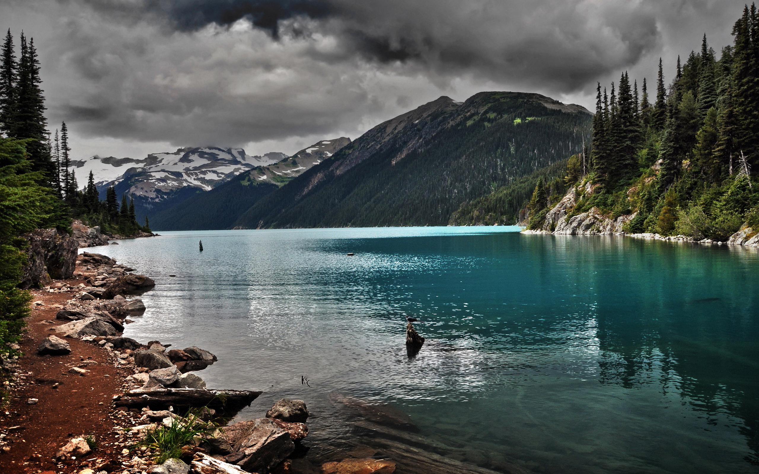 Lake mountain cloudy