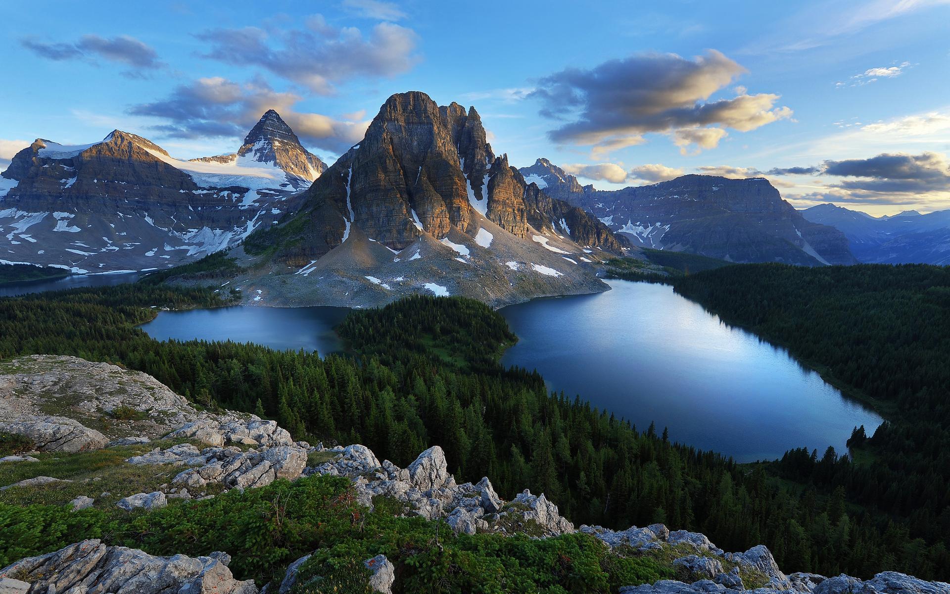 Lake mountains woods