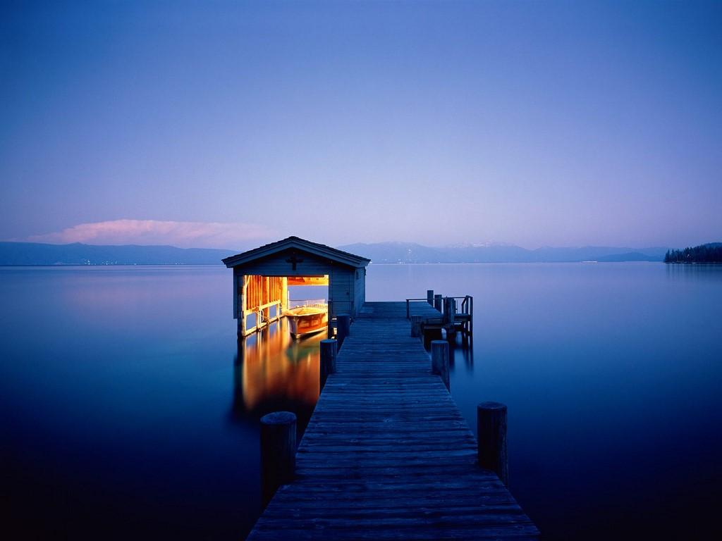 Lake_Tahoe_California_Nevada (picture from http://beautifulplacestovisit.com/lakes/lake-