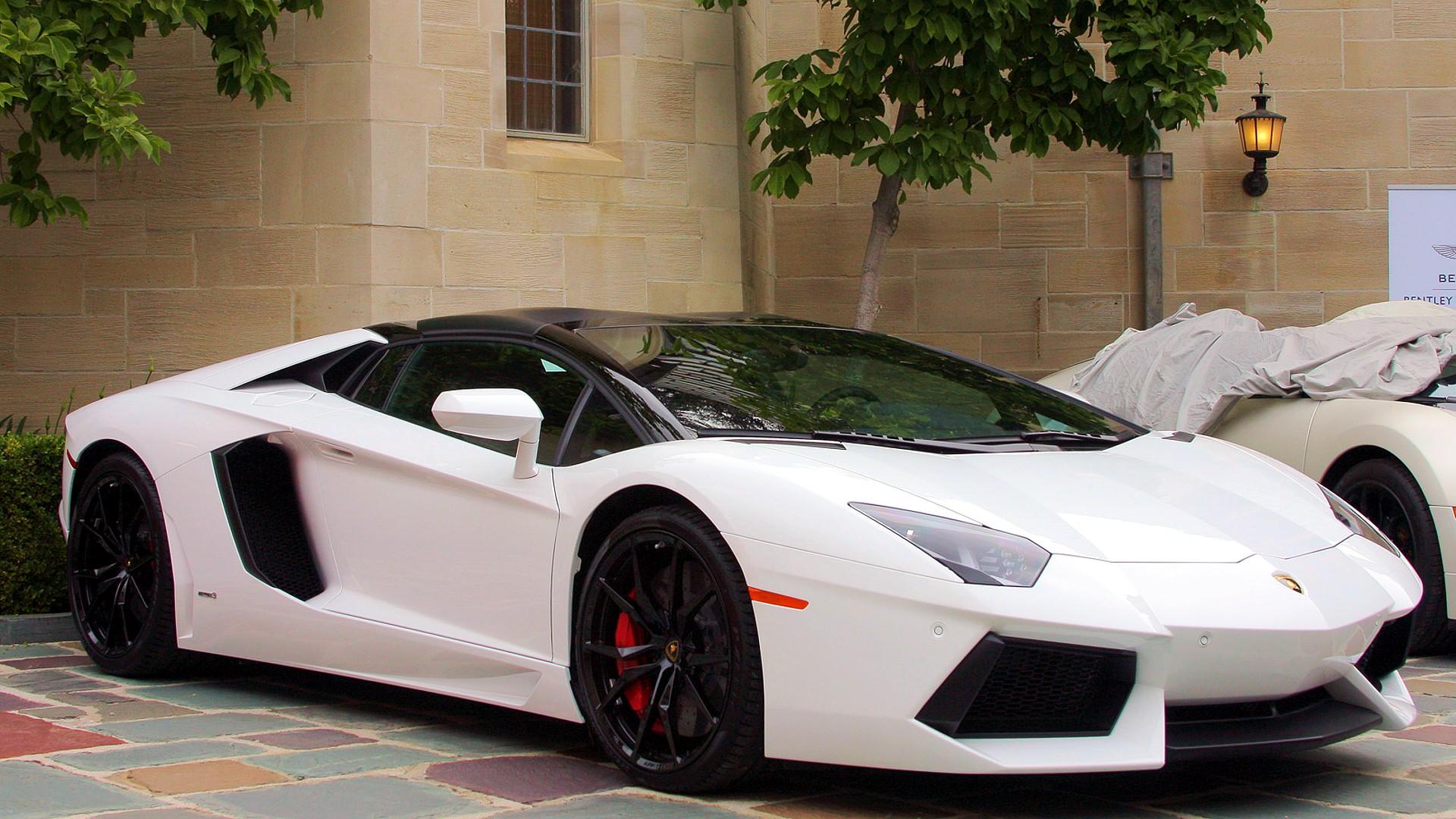 carslike 2014 Lamborghini Aventador