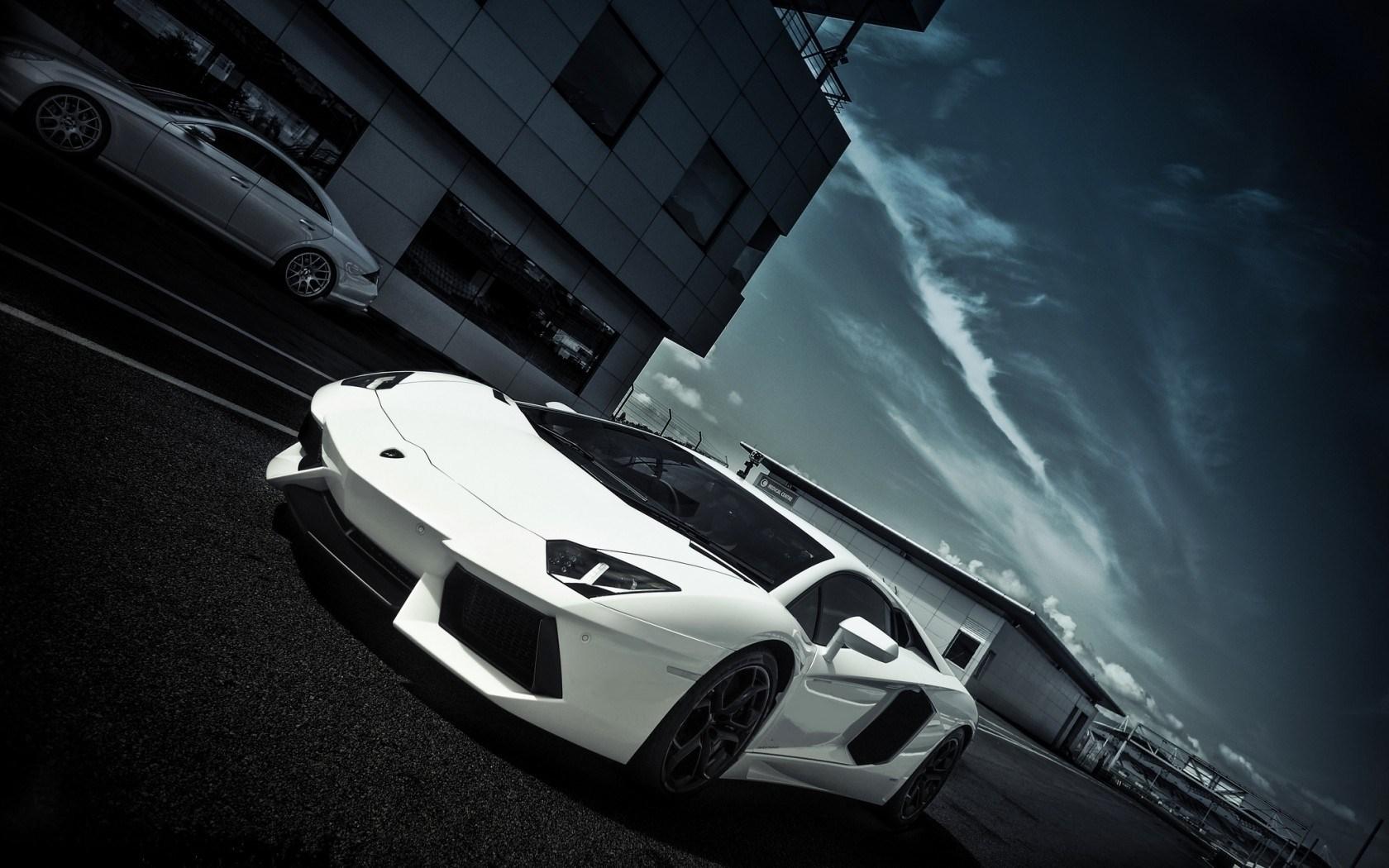 Lamborghini Aventador Road Buildings