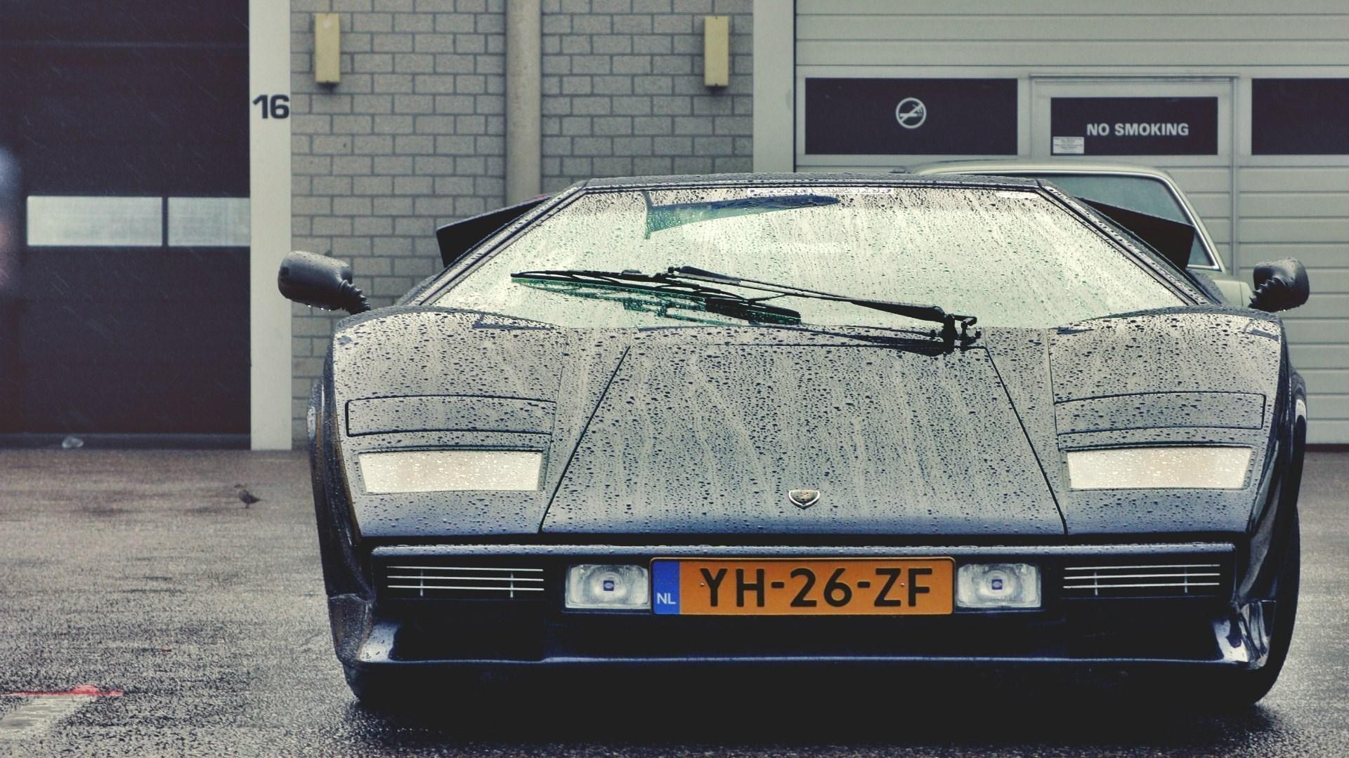Lamborghini Countach Classic Car Photo