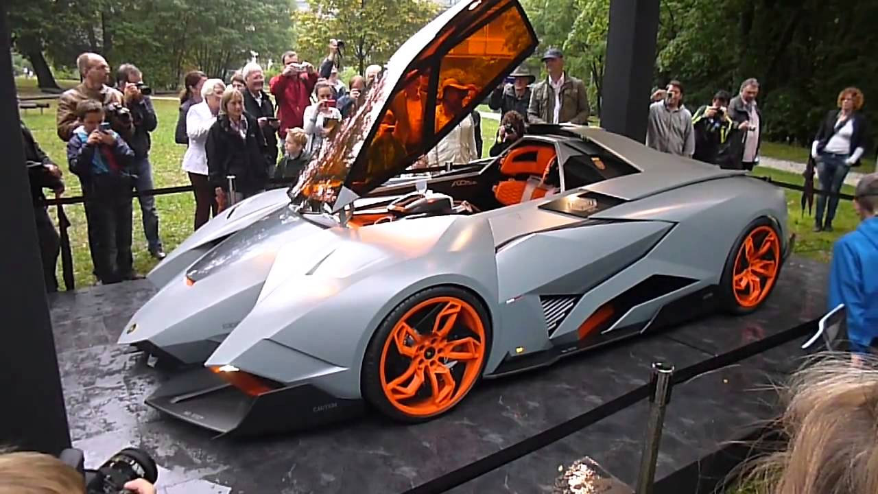 Lamborghini Egoista at Schloss Bensberg - How the car opens