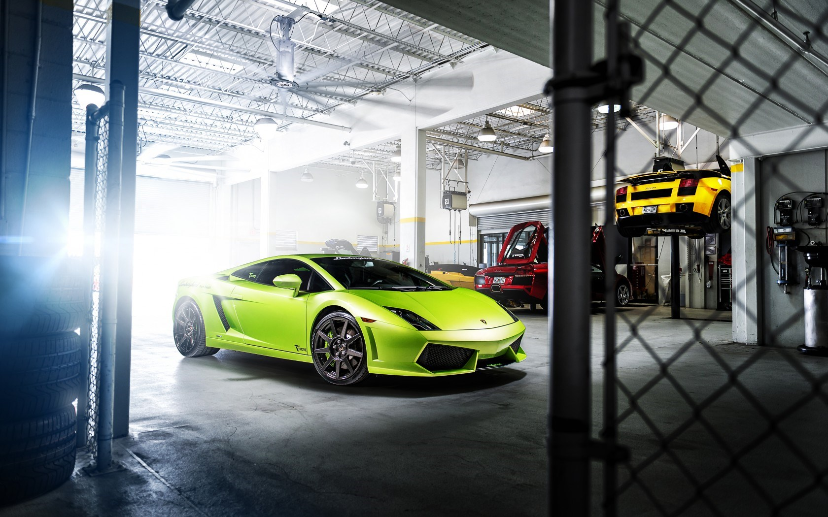 Lamborghini Gallardo Green Car Garage Wallpaper 1680x1050 17221
