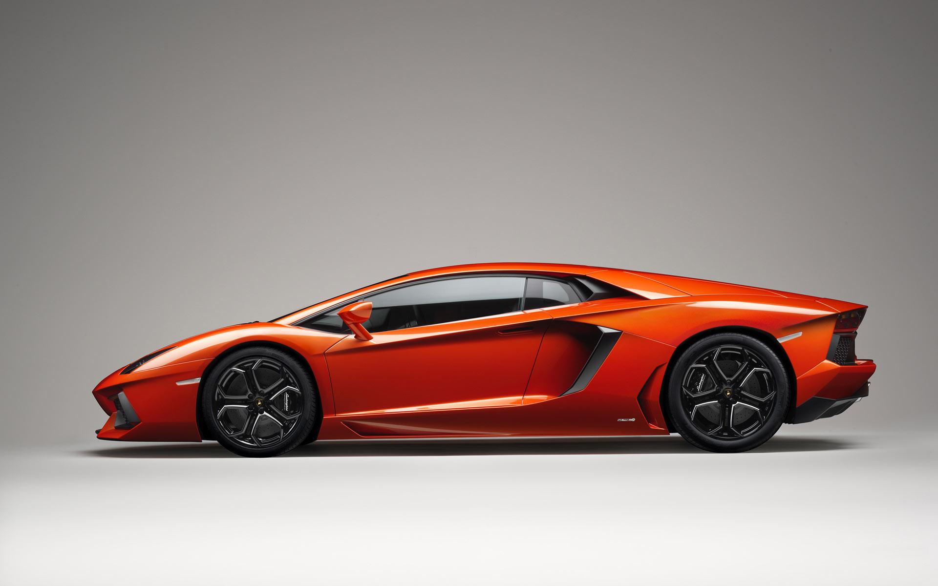 Car-wallpapers-Lamborghini Aventador LP 700 4-wallpaper