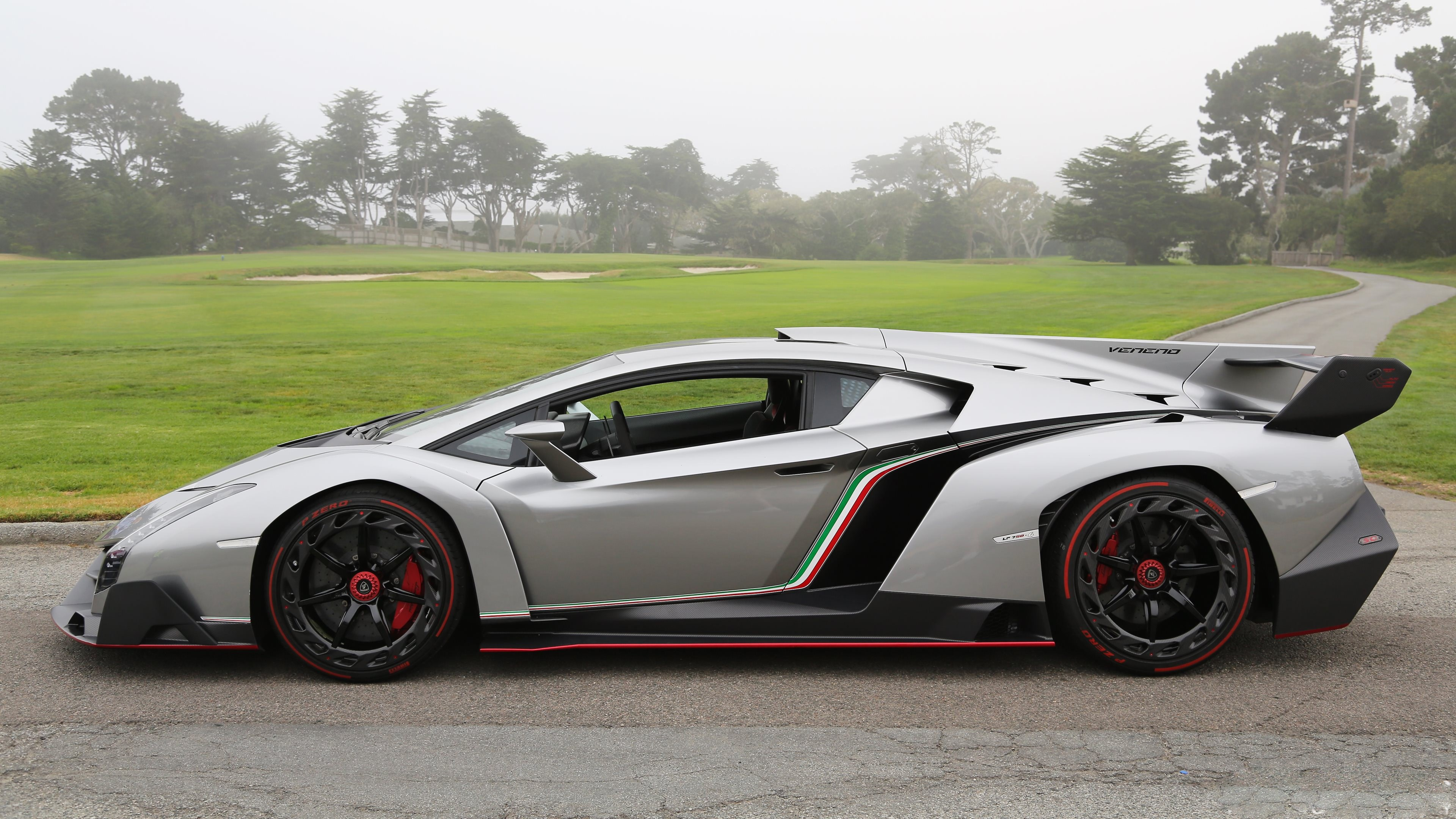 Lamborghini Veneno Free Desktop 8 HD Wallpapers