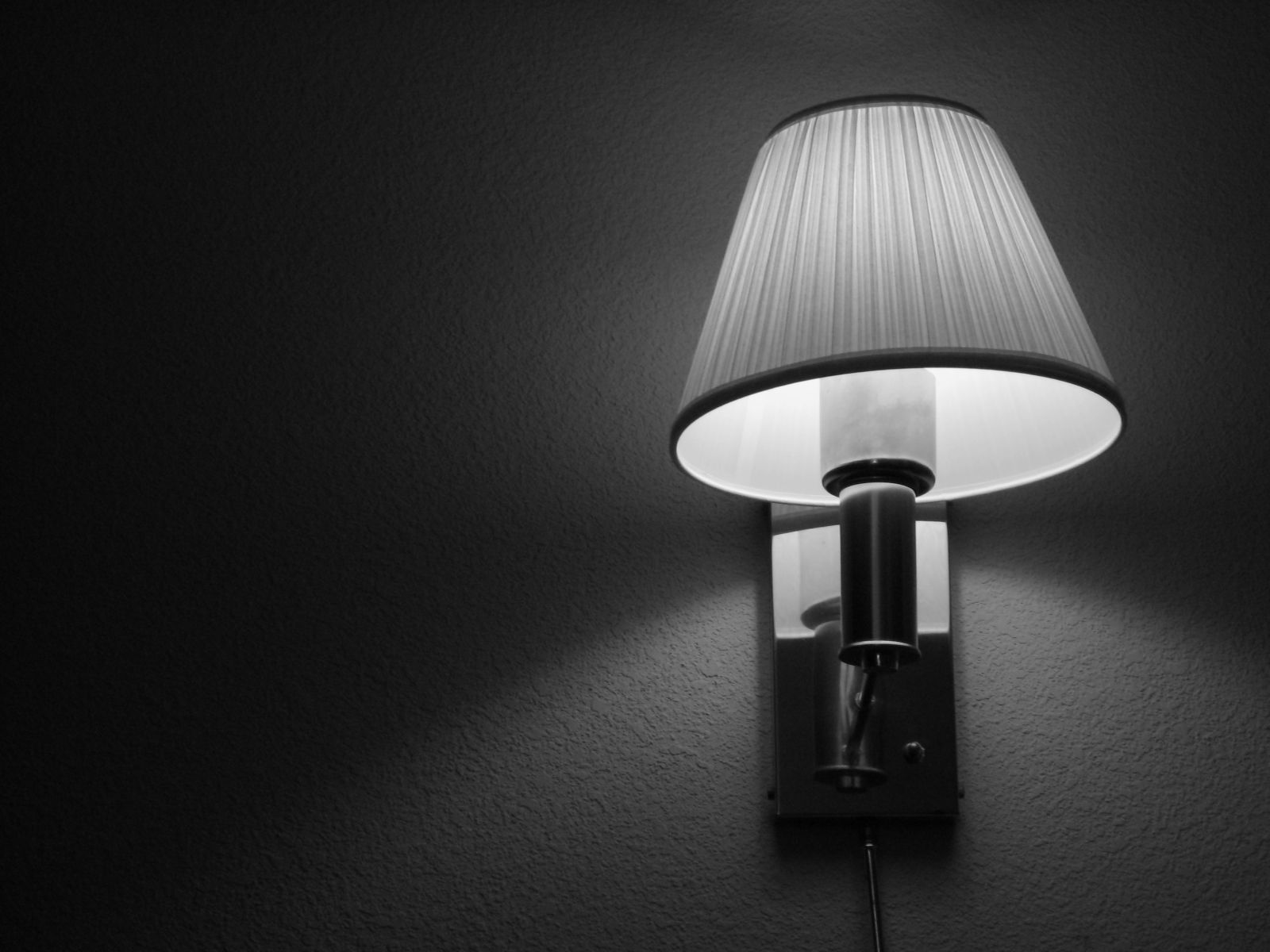 BnW Lamp Wallpaper by Vyrn BnW Lamp Wallpaper by Vyrn