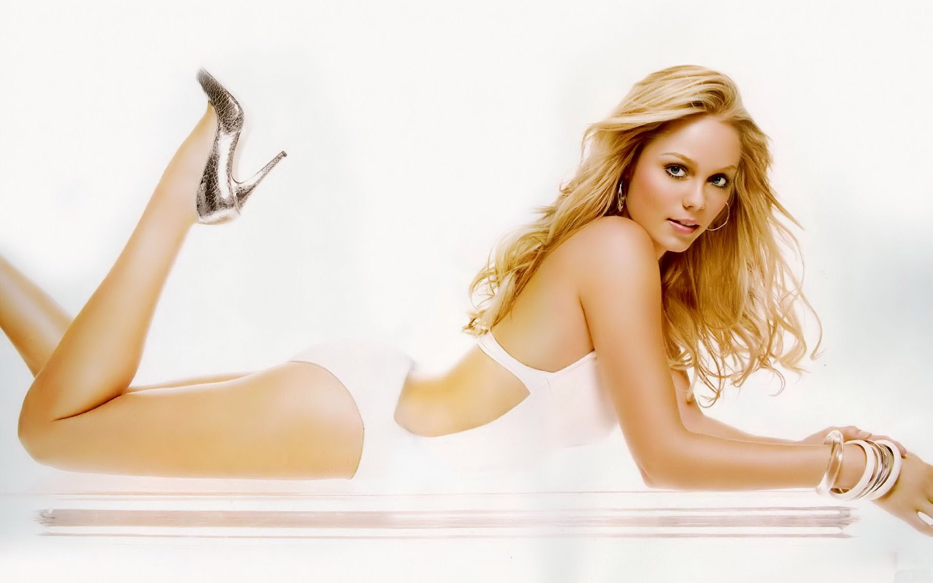 laura-vandervoort-wallpapers ...