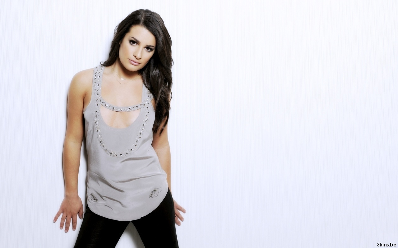 Please check our latest widescreen hd wallpaper below and bring beauty to your desktop. Lea Michele Wallpaper
