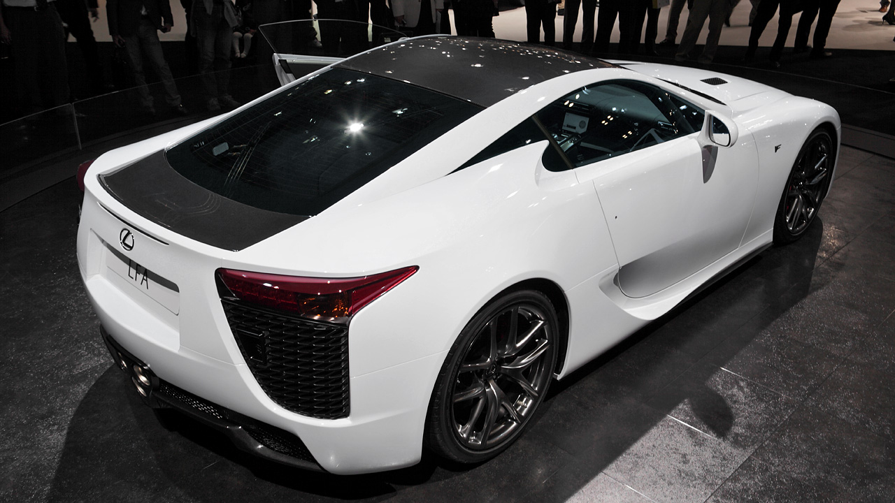 Overhead view of the Lexus LFA with carbon fiber roof