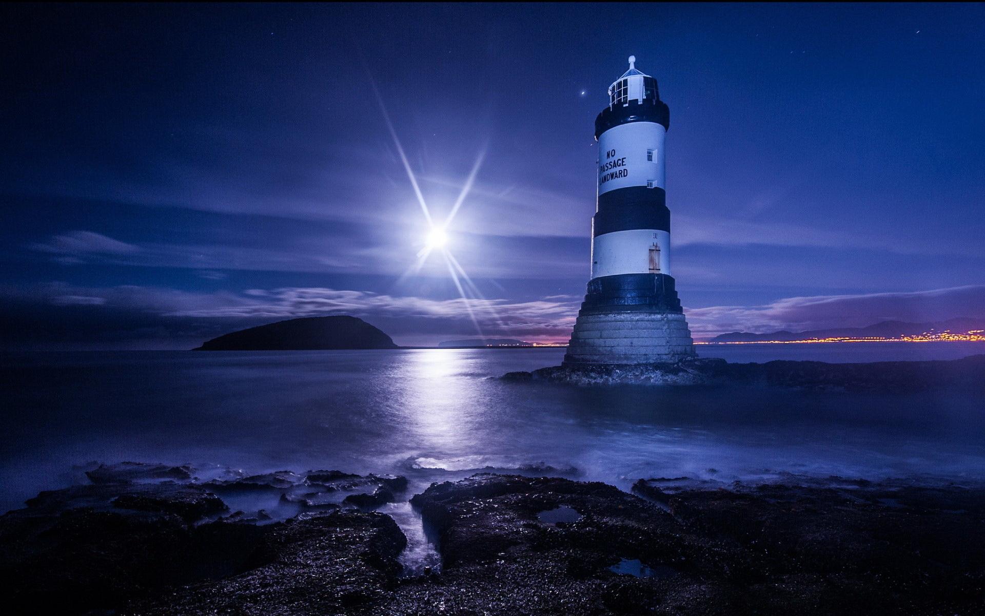 1920x1200 Man Made Lighthouse