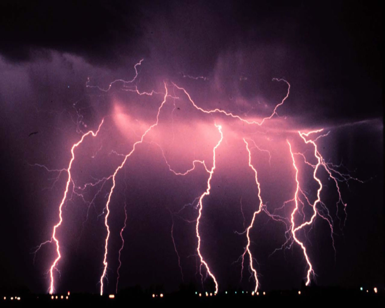 Lightning Bolts Backgrounds - HD Wallpapers