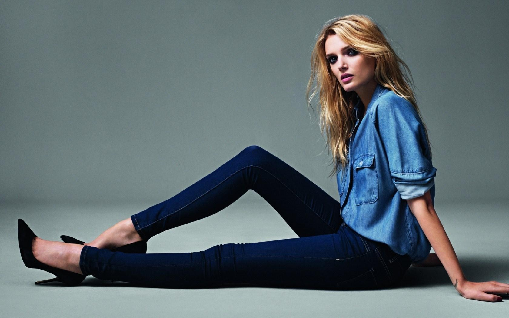 Lily Donaldson Blonde Girl British Model