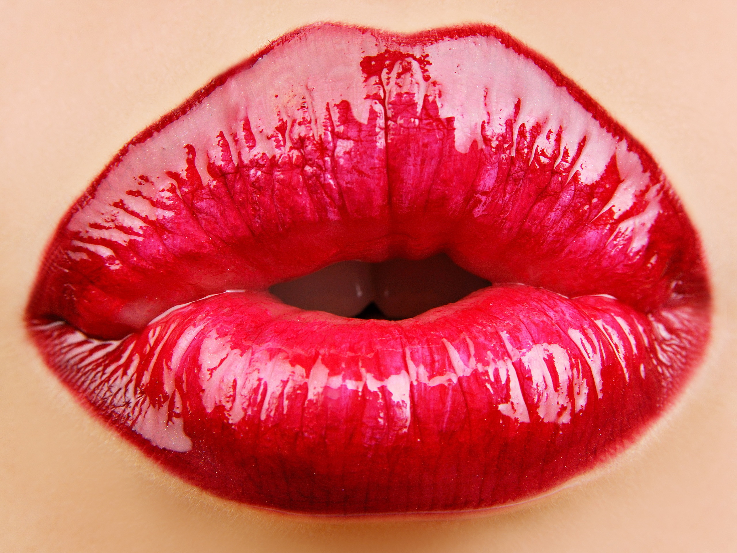 Lips Wallpaper