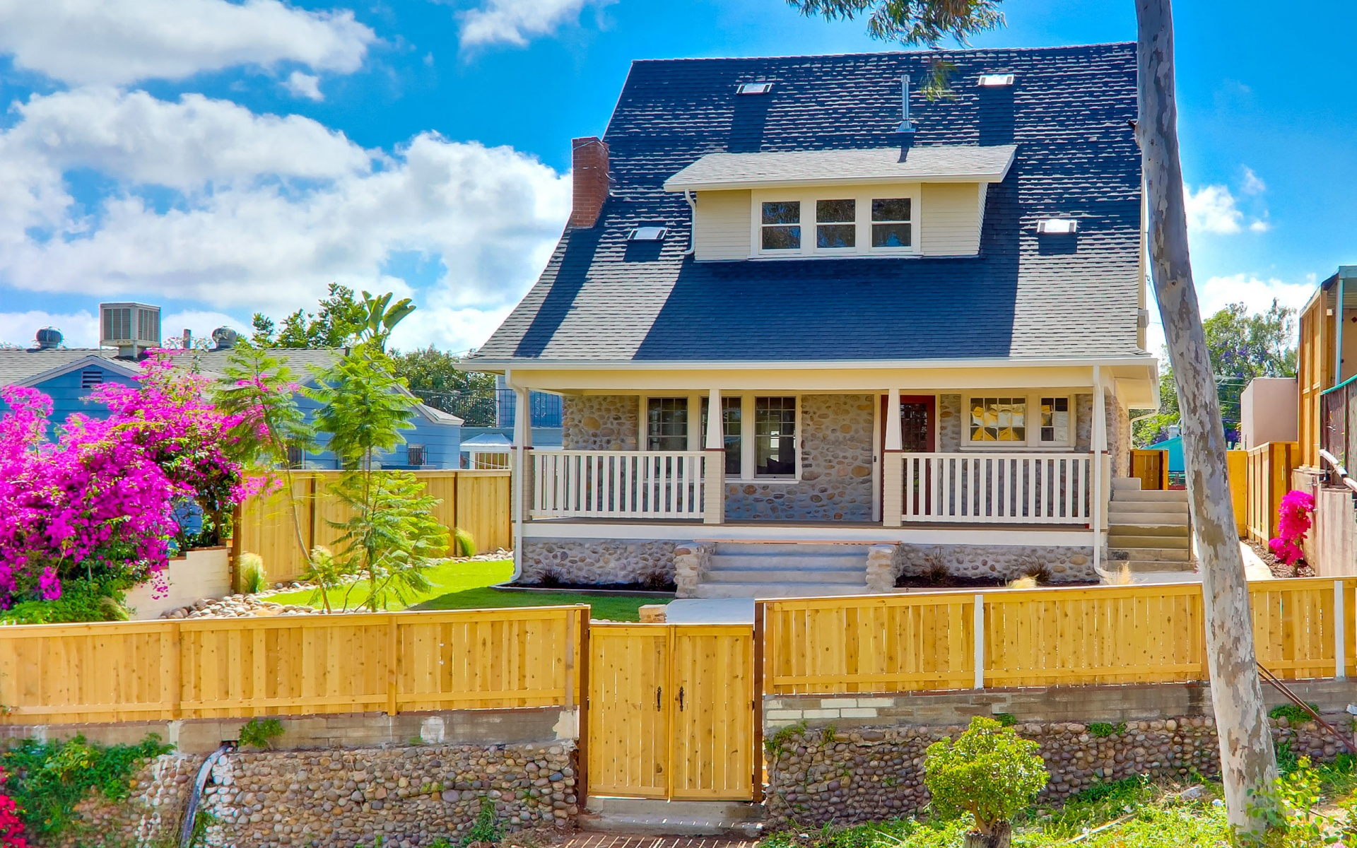 Little House with Garden Wallpaper in 1920x1200 Widescreen