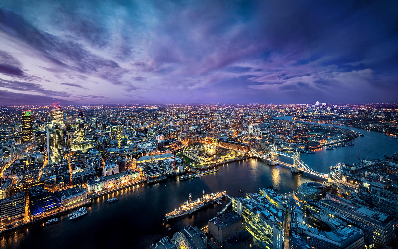 London evening city lights