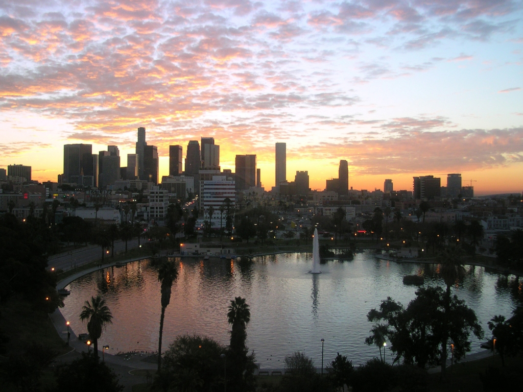 Los Angeles Skyline Wallpaper 4 – 1024 x 768 pixels – 579 kB