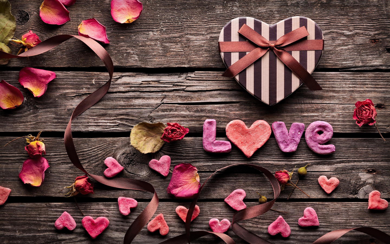 Love petals box