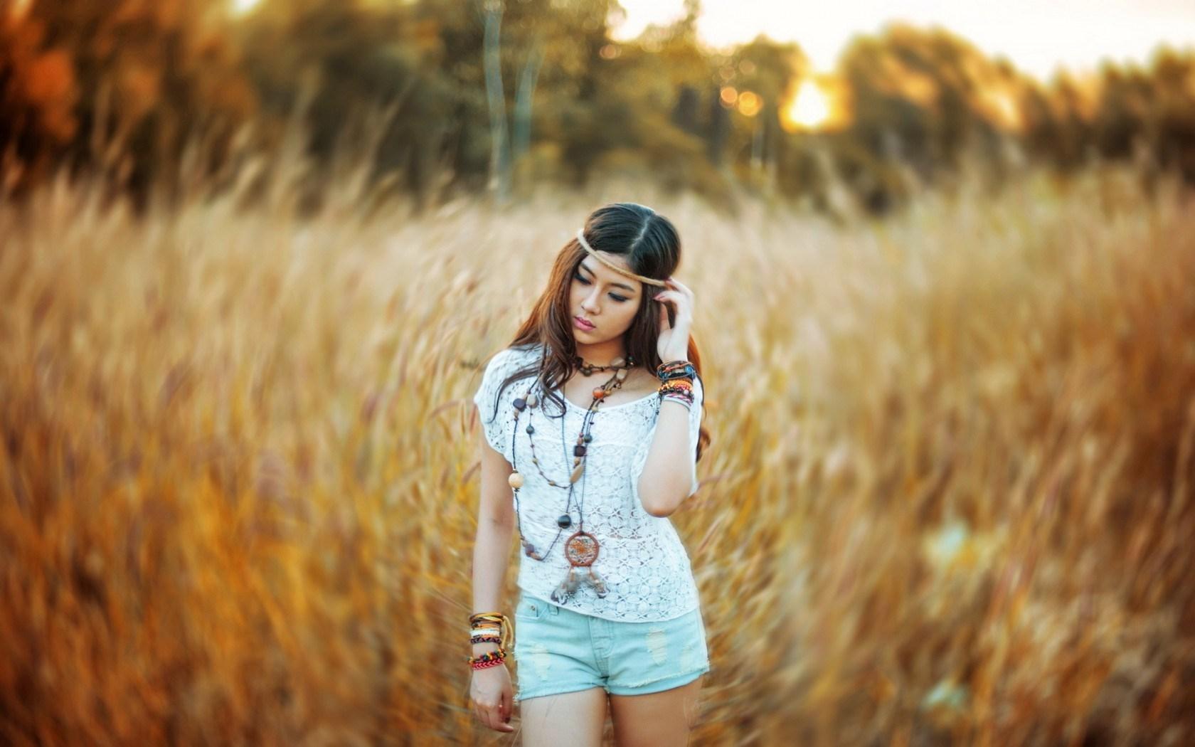 Lovely Asian Girl Fashion Model