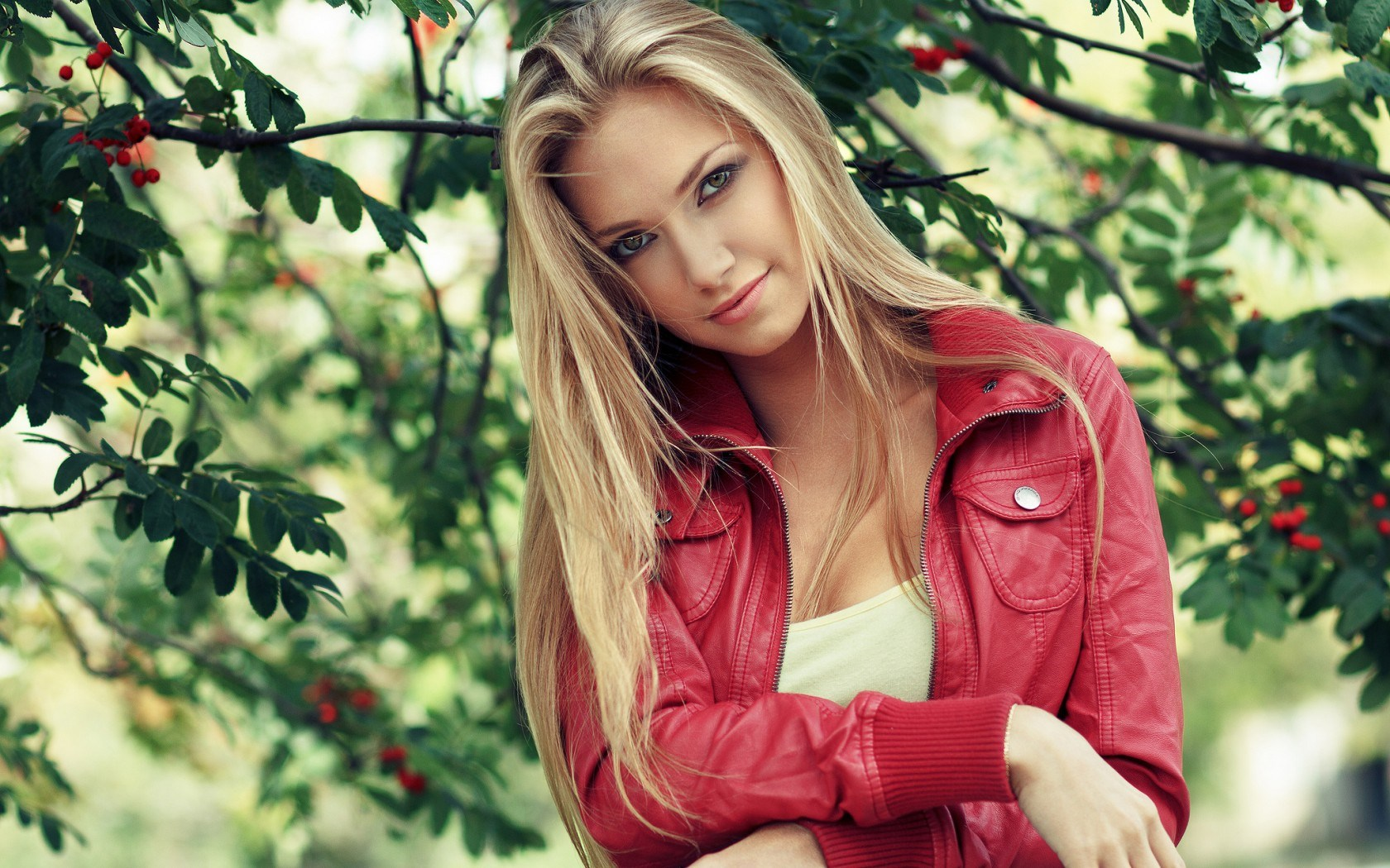 Lovely Blonde Fashion