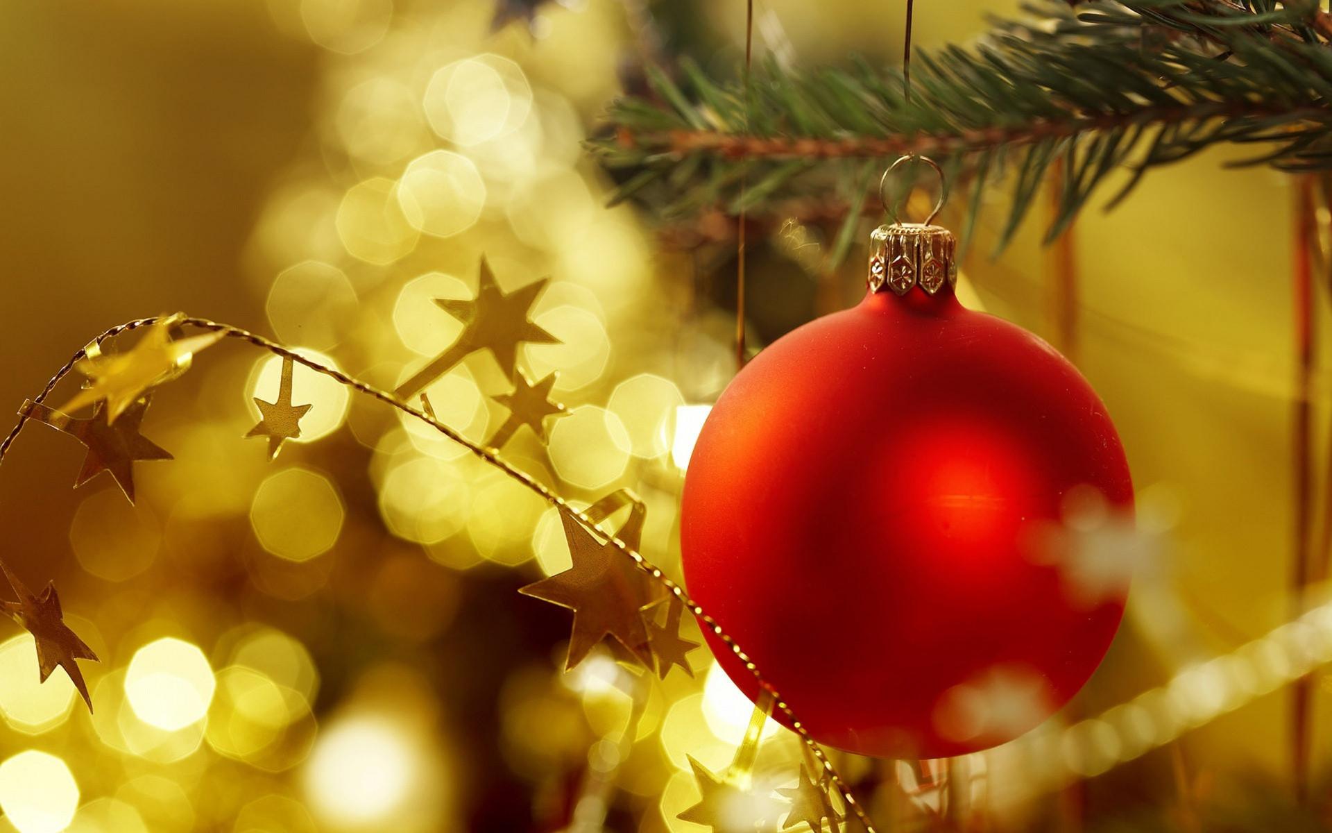 Lovely Christmas Ornaments Wallpaper