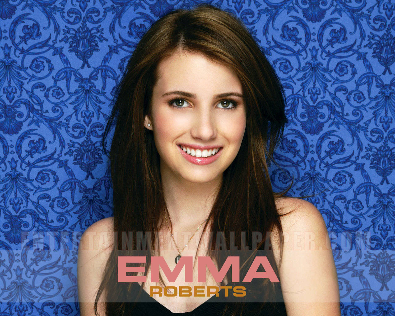 Lovely Emma Roberts Desktop Page