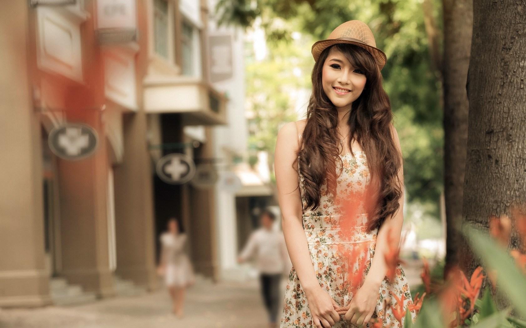 Lovely Girl Asian City Street Floral Dress HD Wallpaper