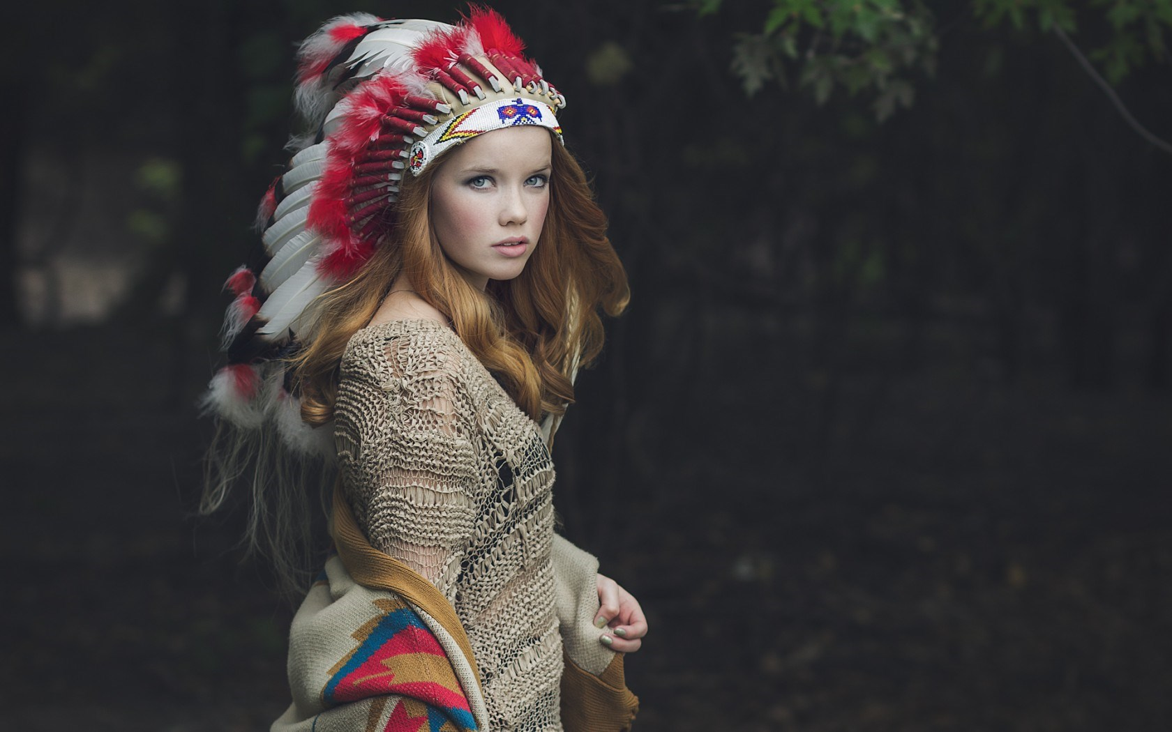 Lovely Girl Headdress Feathers HD Wallpaper