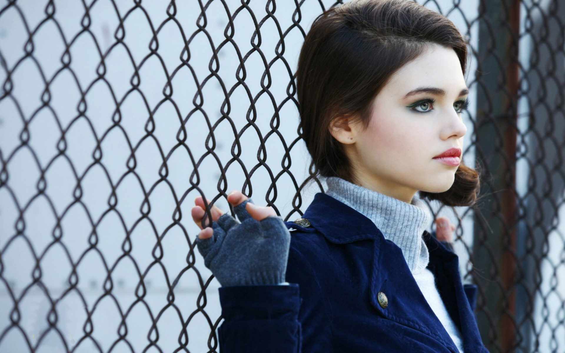 Lovely Girl India Eisley Actress