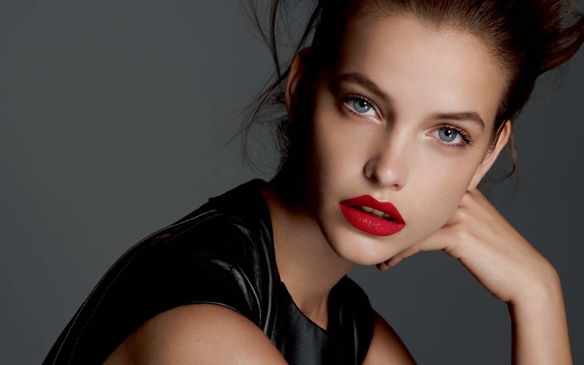 Lovely Girl Portrait Photo