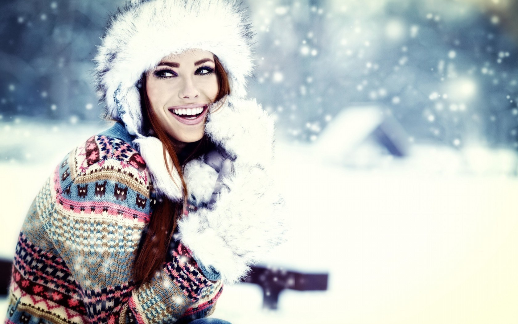 Lovely Girl Smile Winter Snowflakes Fashion