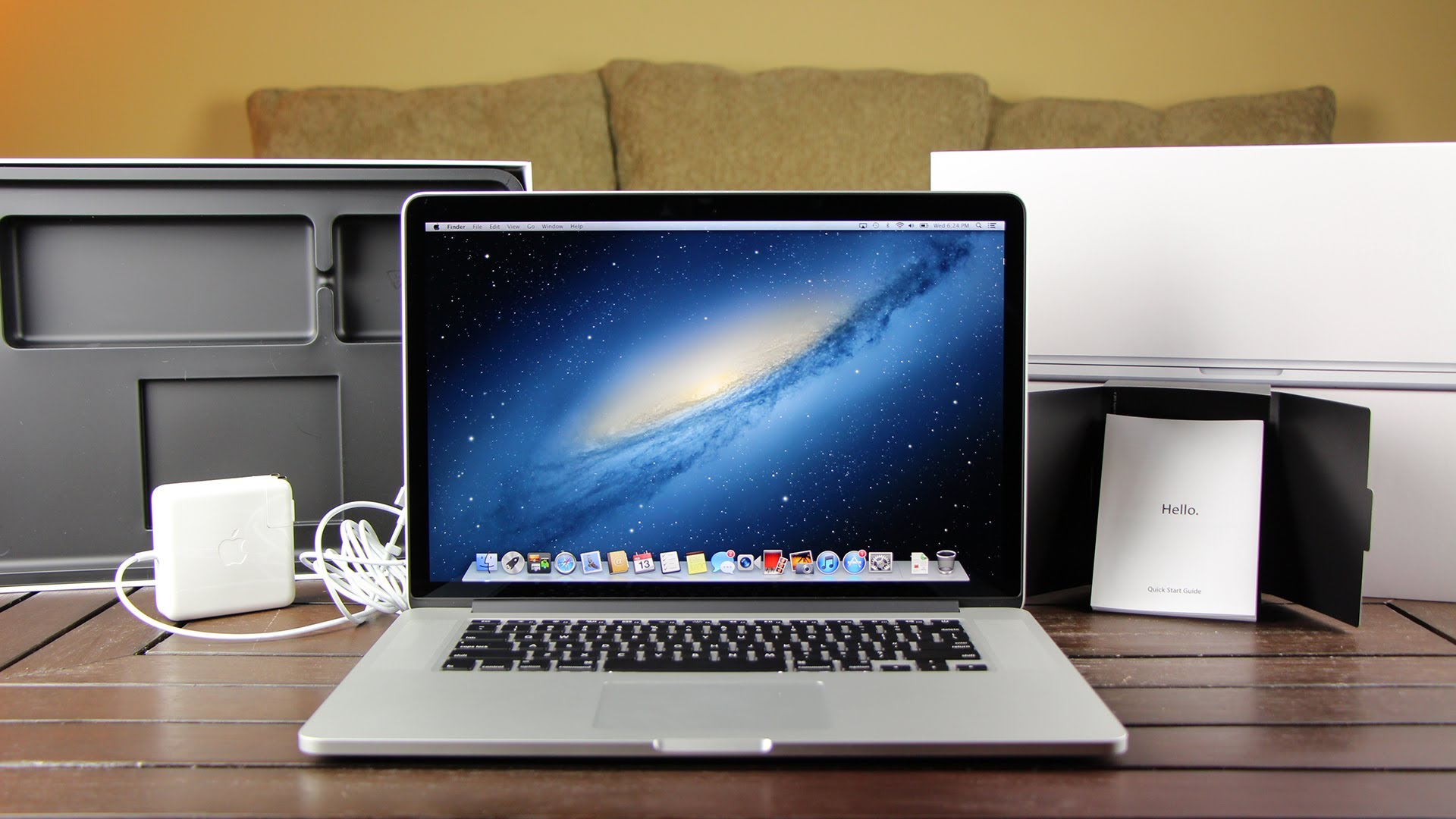 New Retina MacBook Pro: Unboxing 15 Inch and Overview (2013)