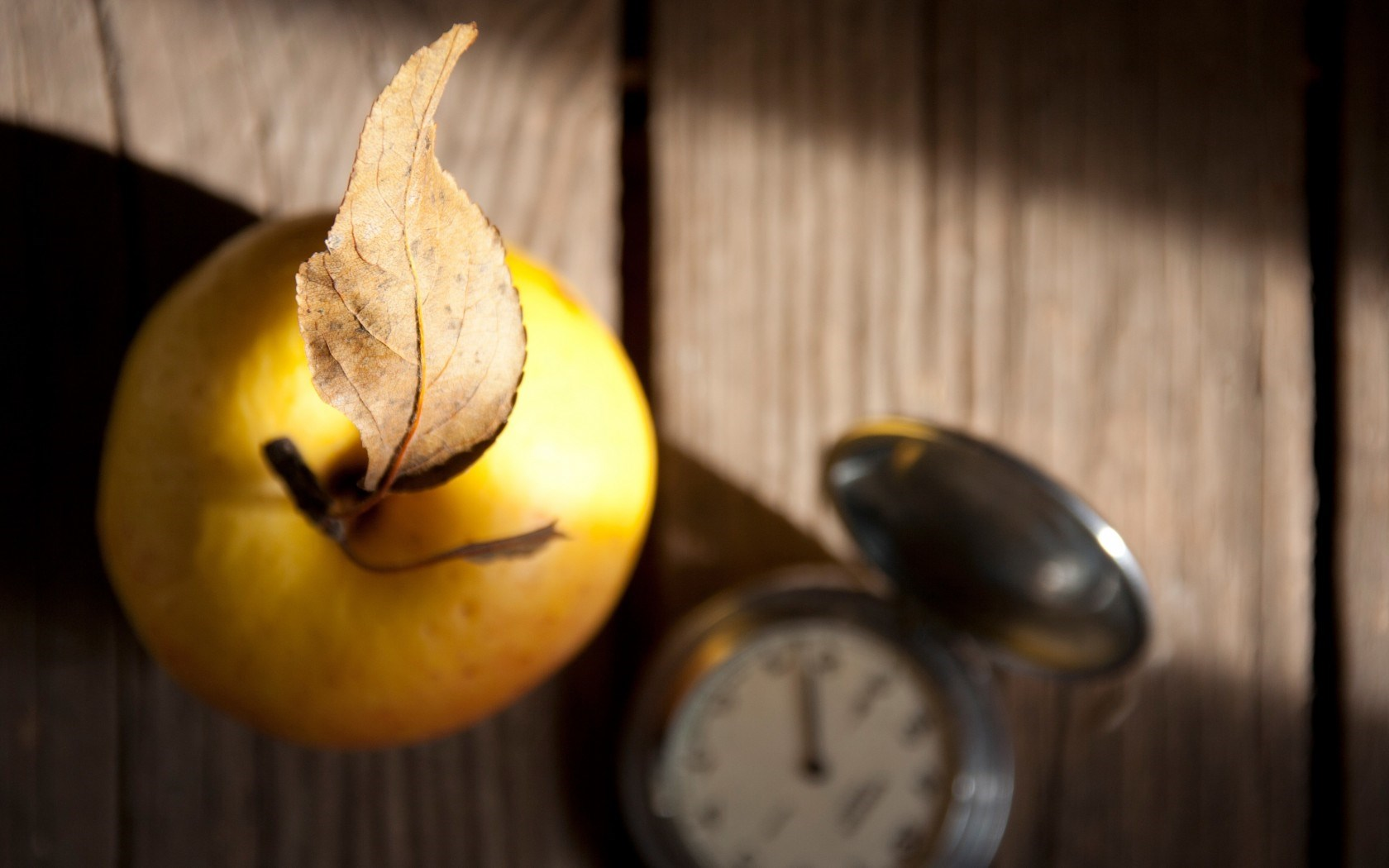 Macro Leaf Apple Yellow Fruit Clock Autumn