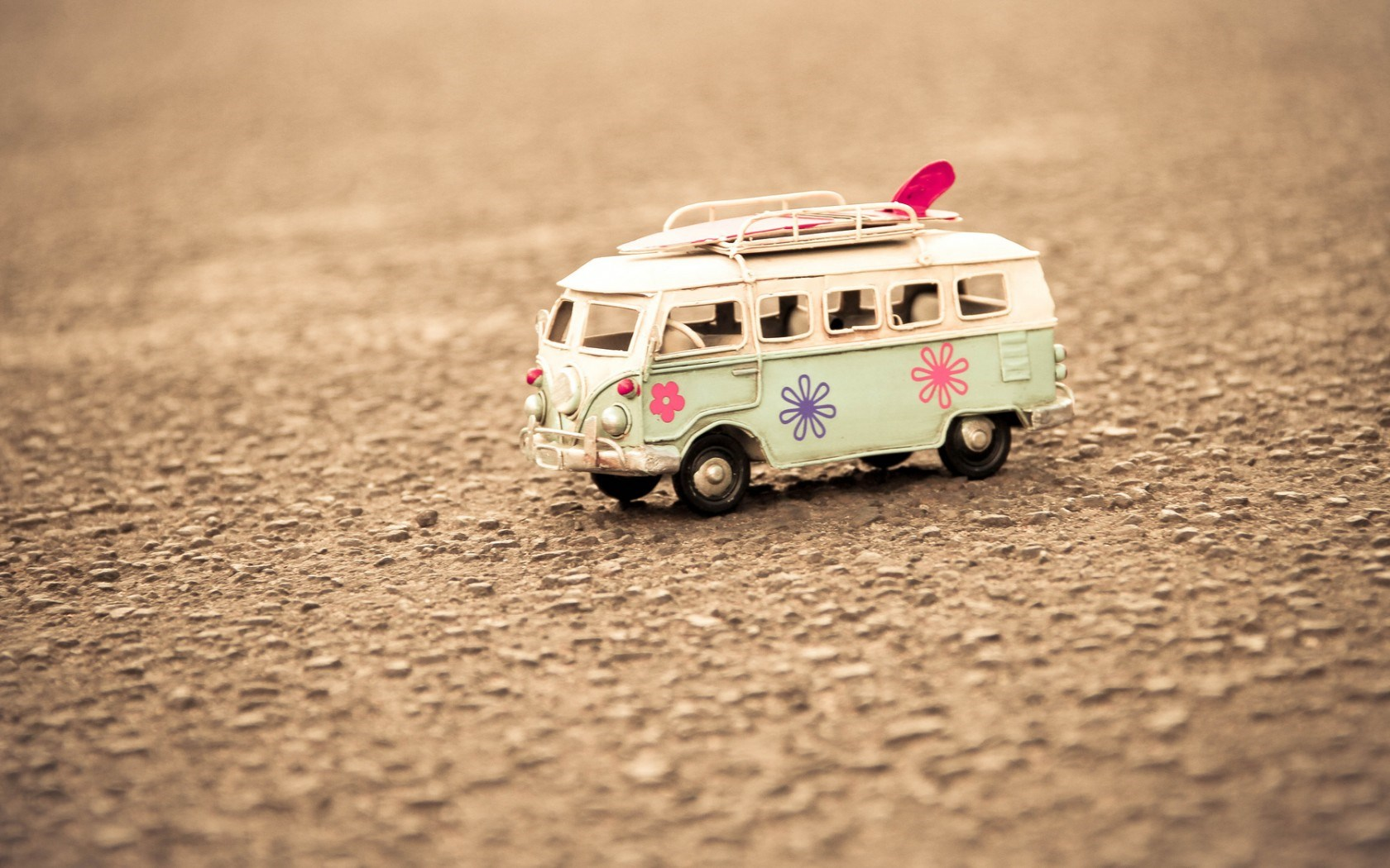 Macro Mood Volkswagen Bus Surfboard Toy
