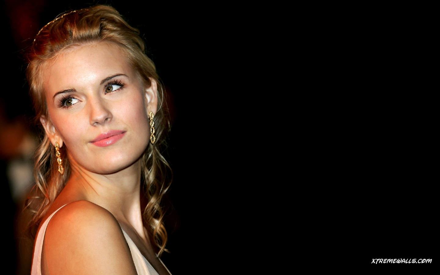 Maggie Grace 1440x900 wallpaper
