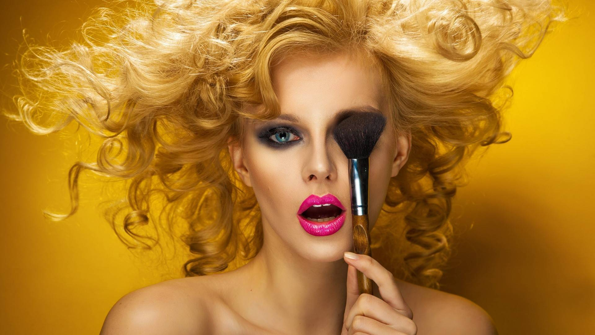 Makeup Wallpaper