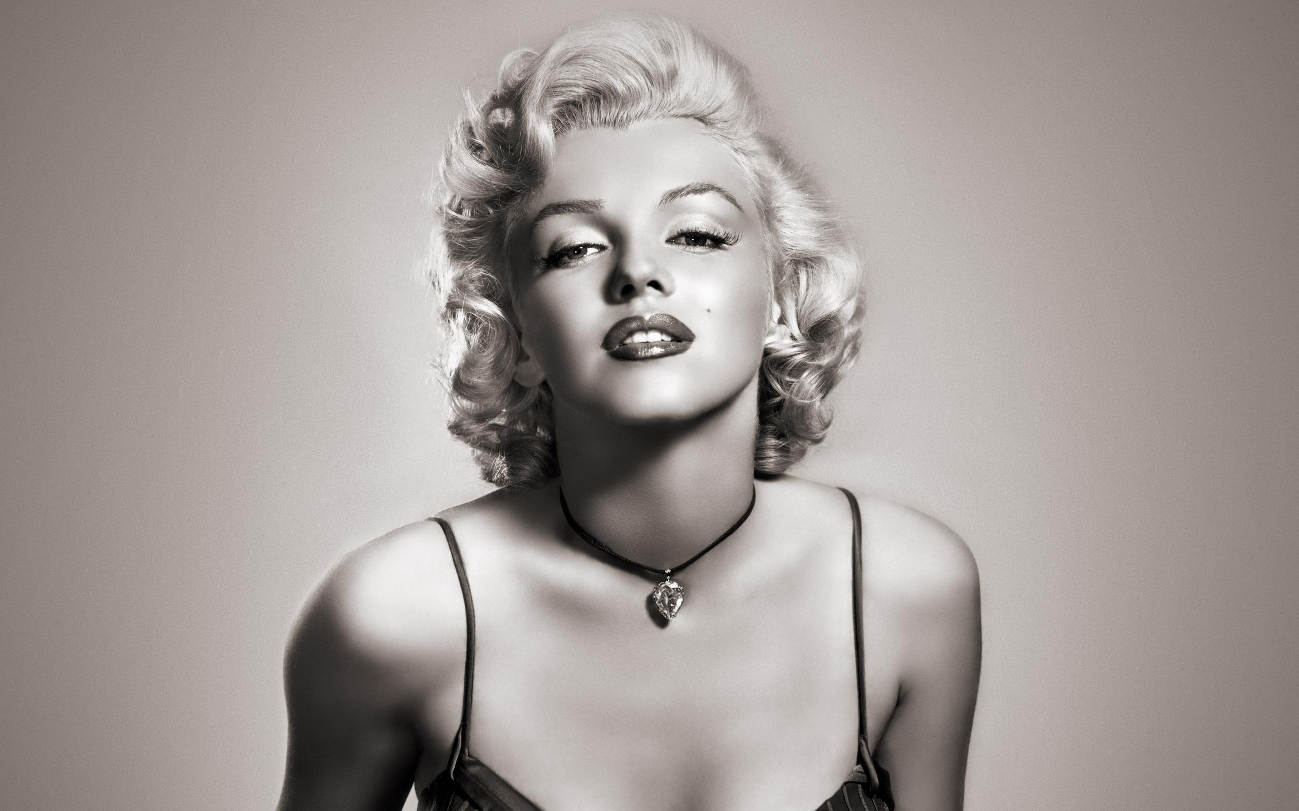marilyn monroe wide Marilyn Monroe Plastic Surgery