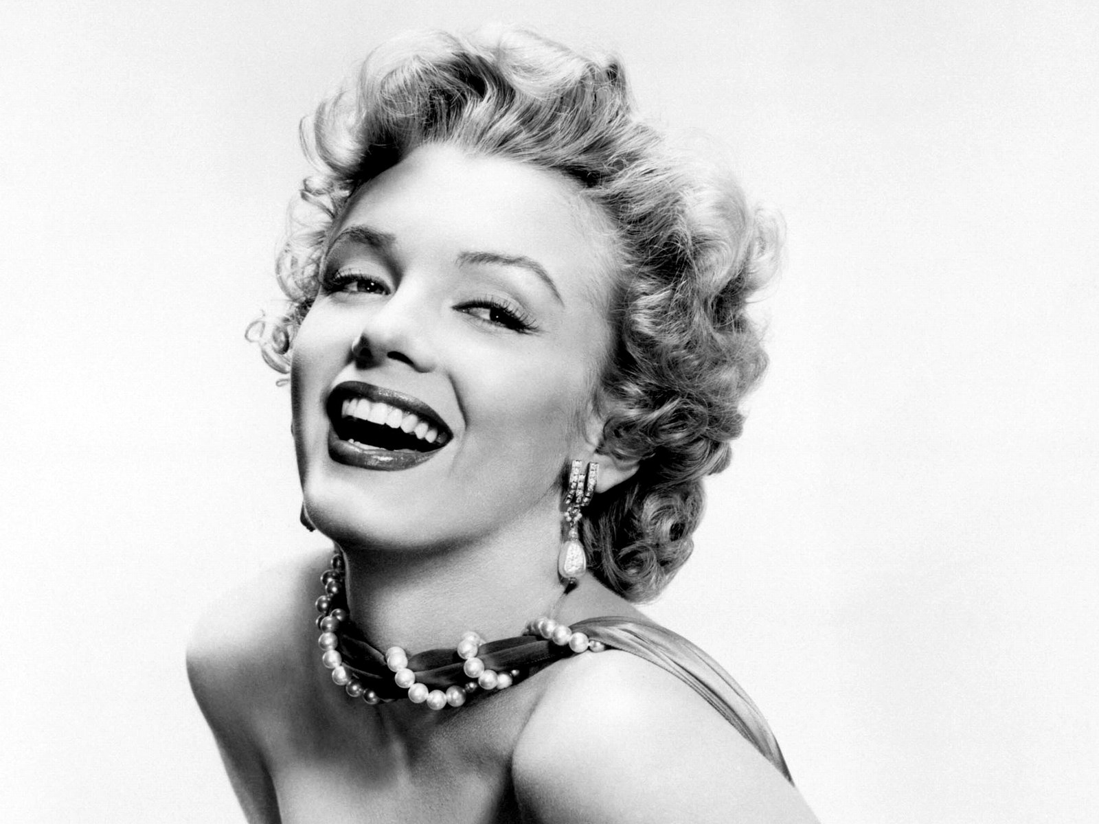 ... marilyn-monroe-new-black-and-white-wallpaper_1600x1200 02 ...