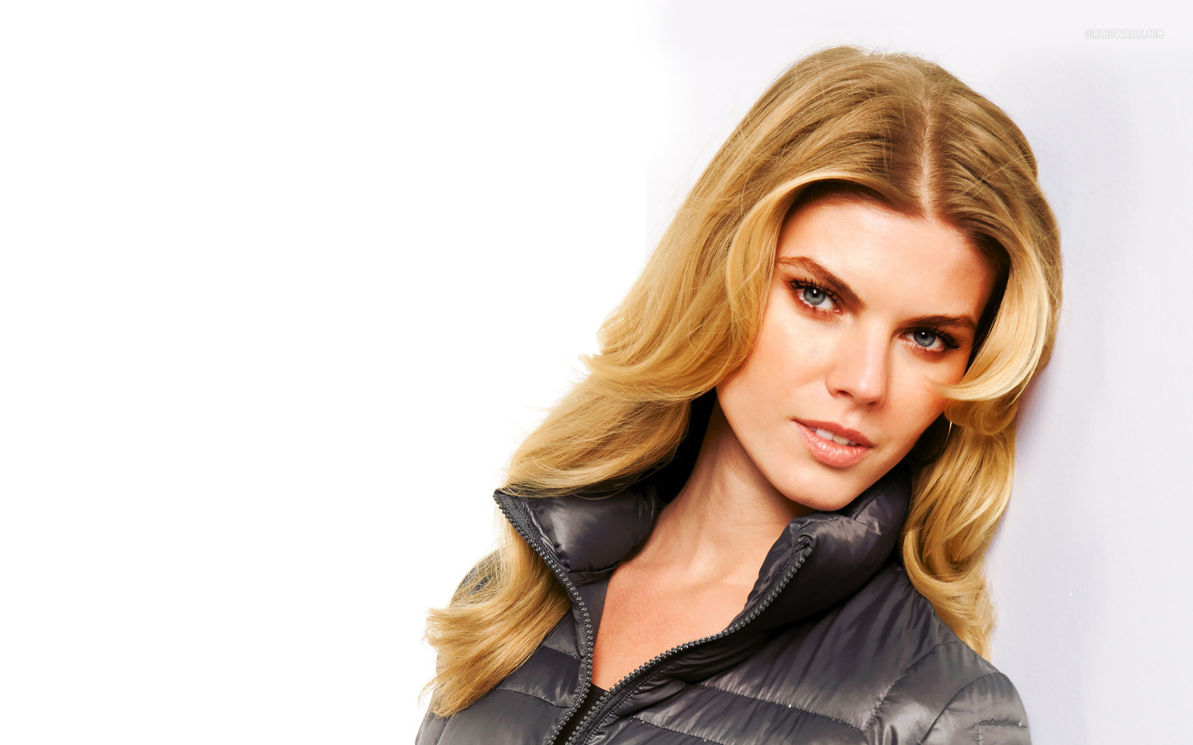 ... Maryna Linchuk wallpaper 1680x1050 ...