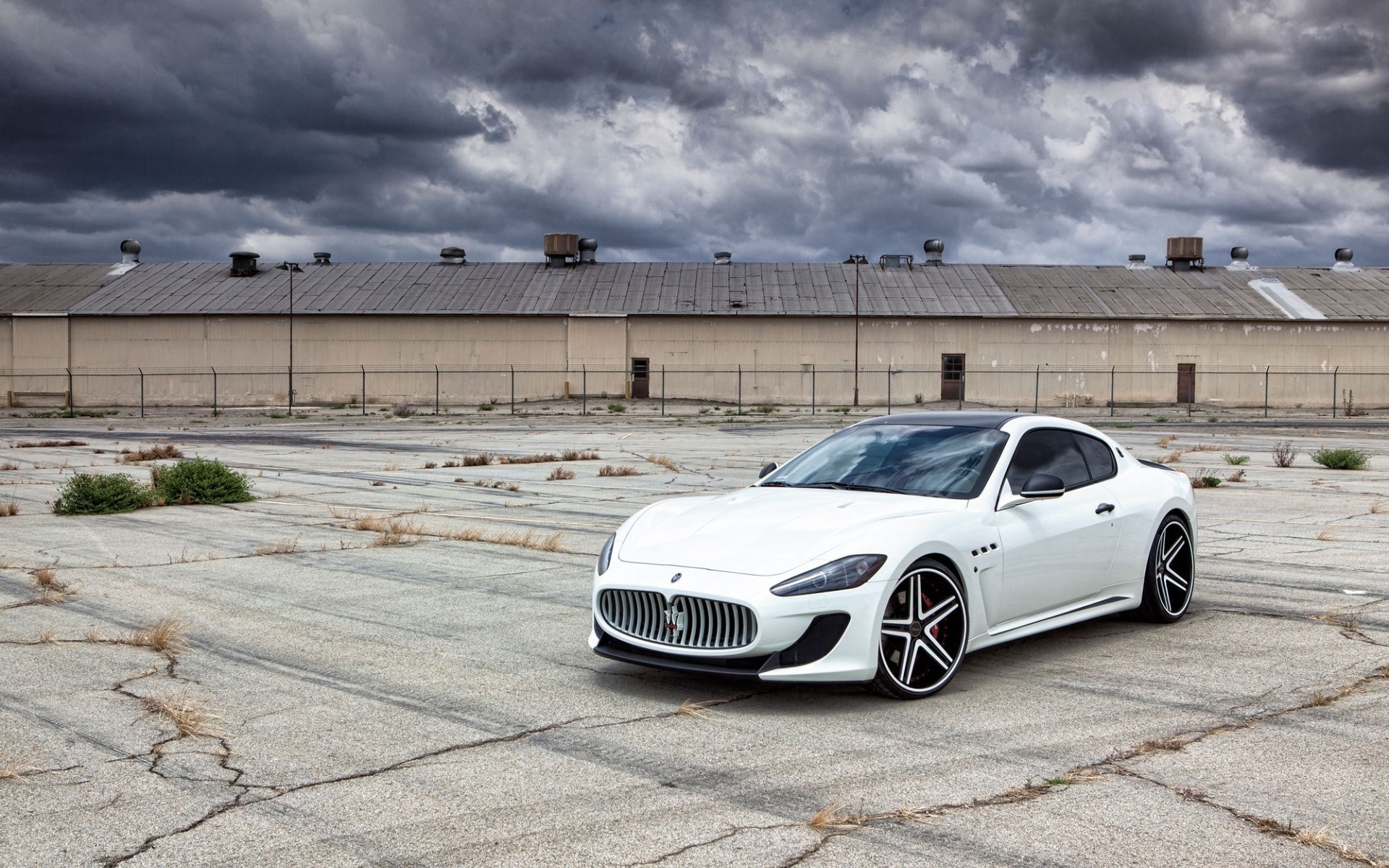 Maserati GranTurismo White