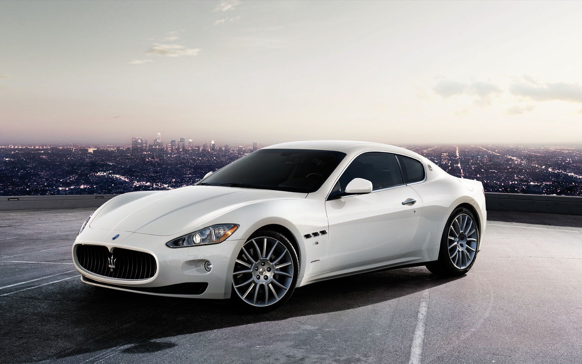 White Maserati Res: 1920x1200 / Size:424kb. Views: 13079