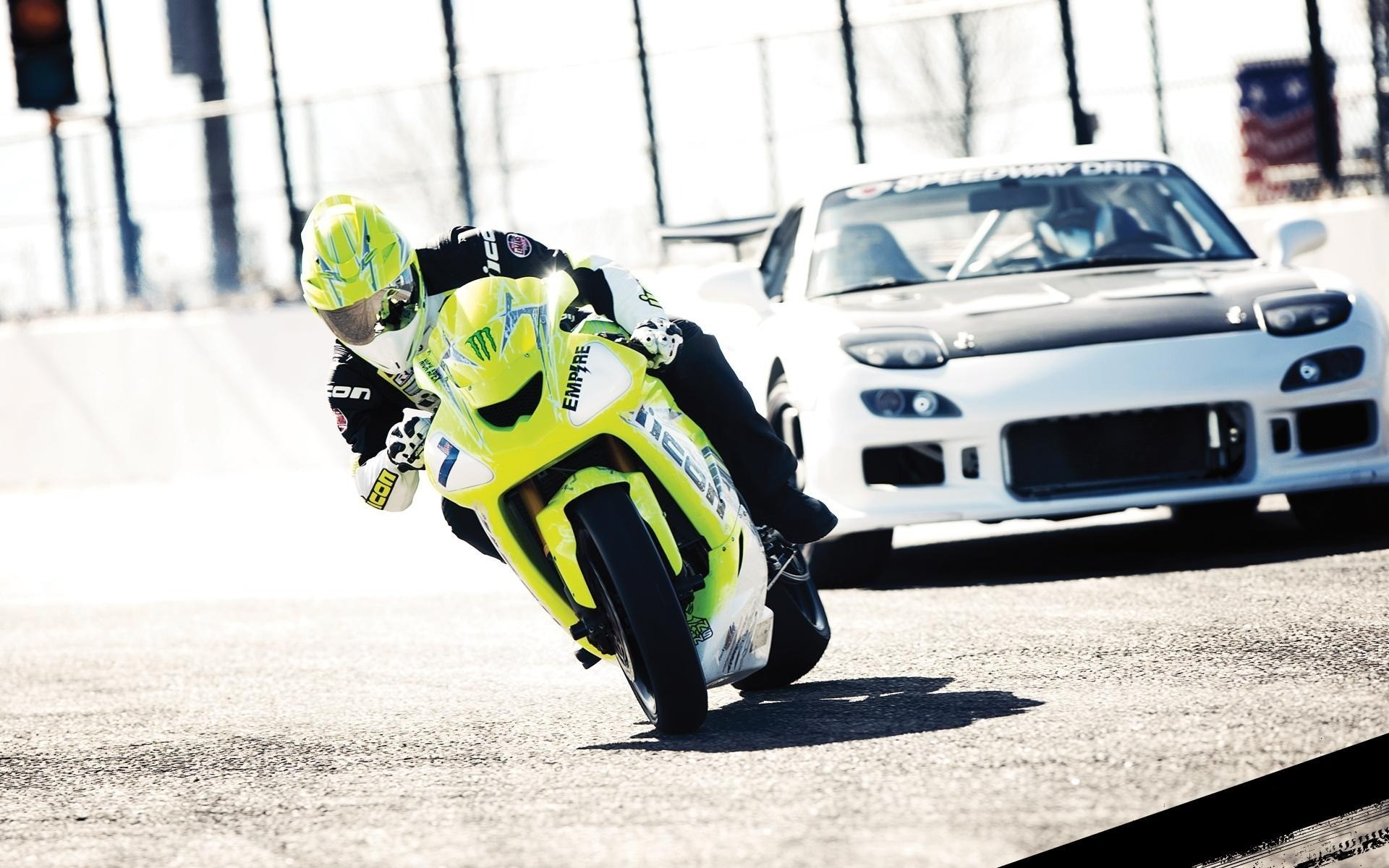 Mazda RX7 Drift vs Motorcycle