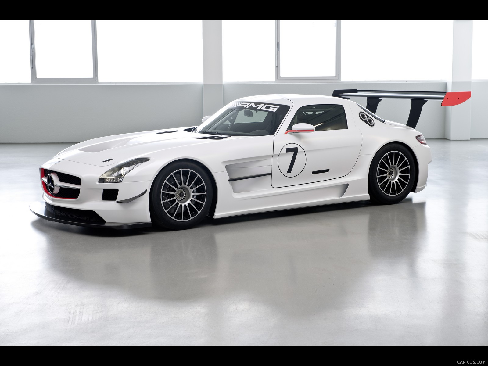 Mercedes-Benz SLS AMG GT3 - Side View Photo Wallpaper