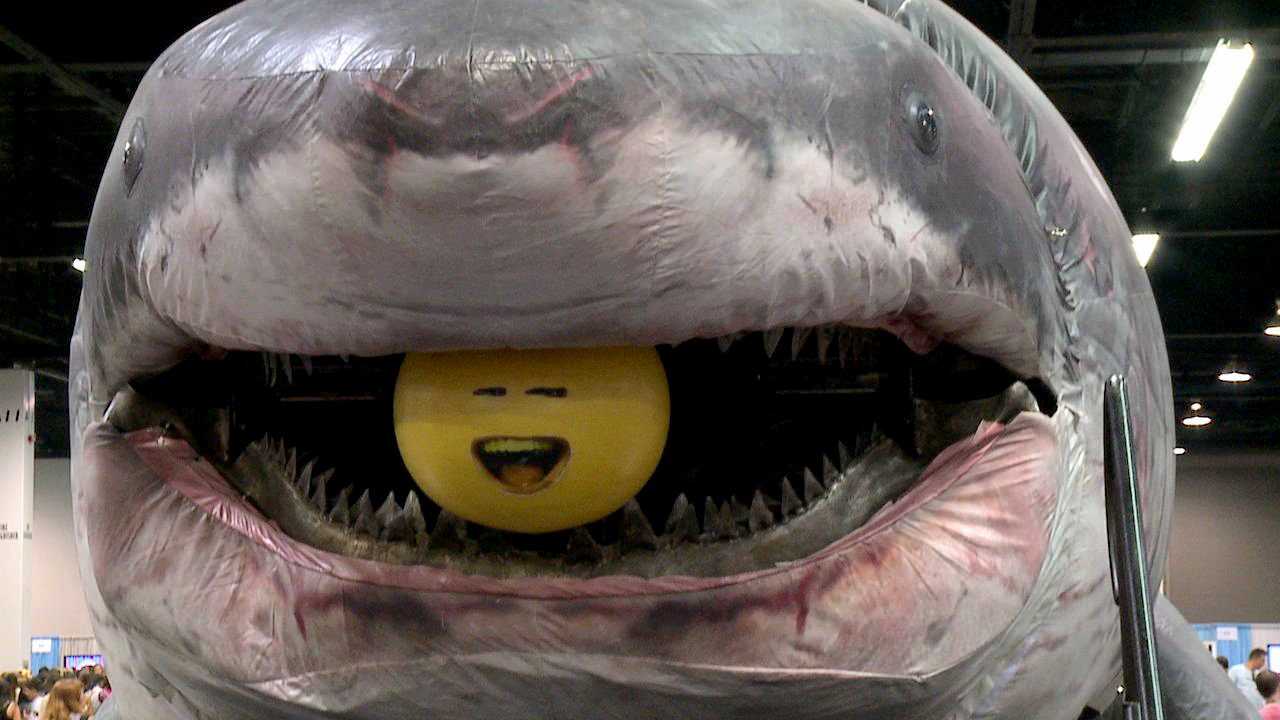Annoying Orange Chomped by Giant Megalodon SHARK! | Revision3 One Offs | Revision3
