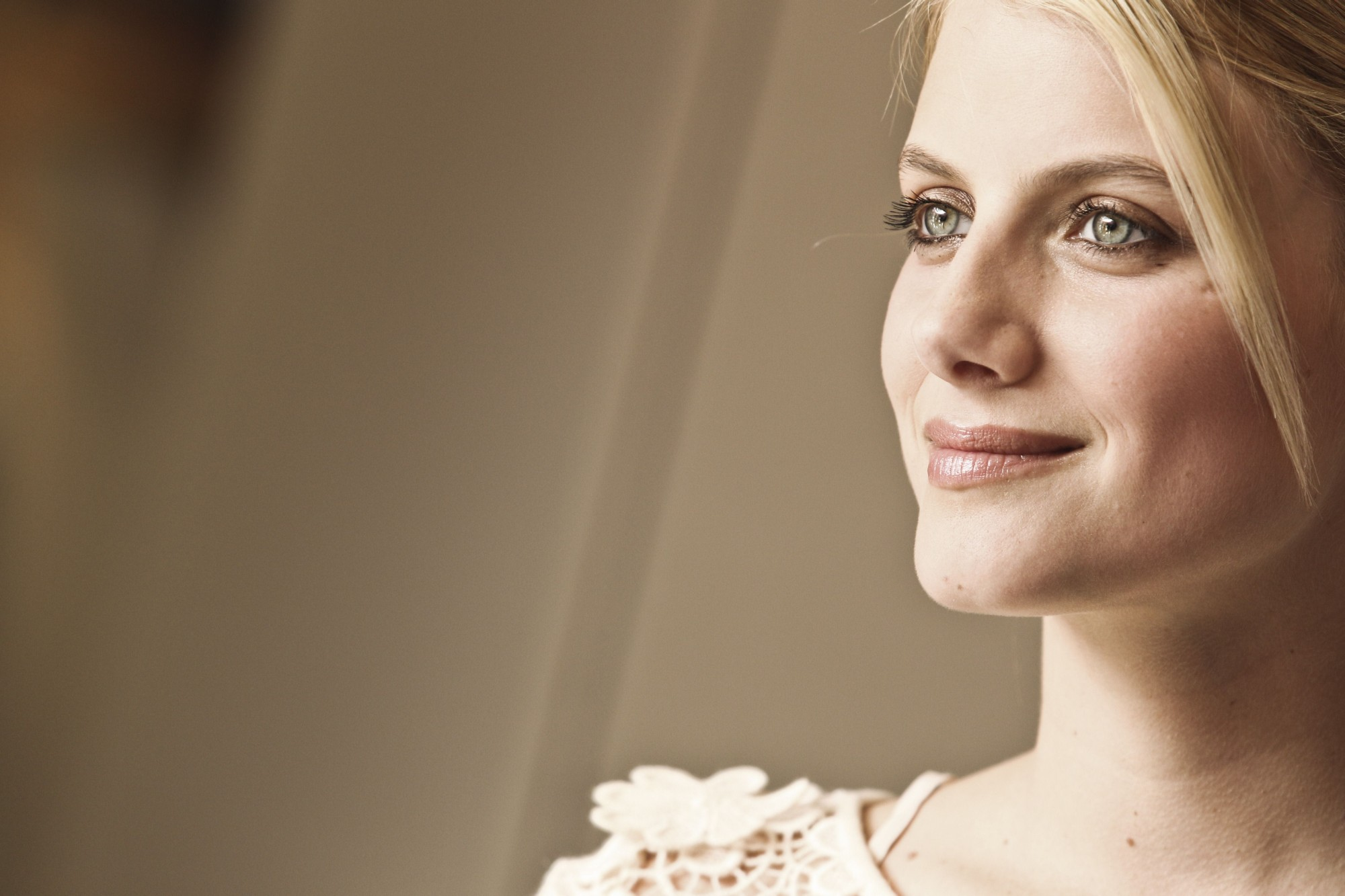 Melanie Laurent Wallpaper